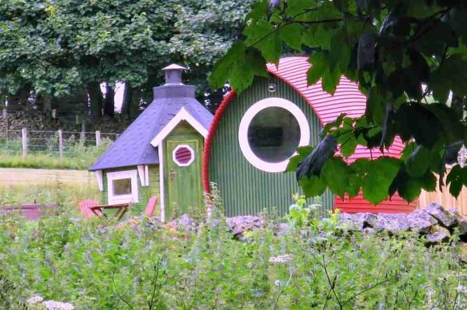 The Rowan Pod with BBQ hut