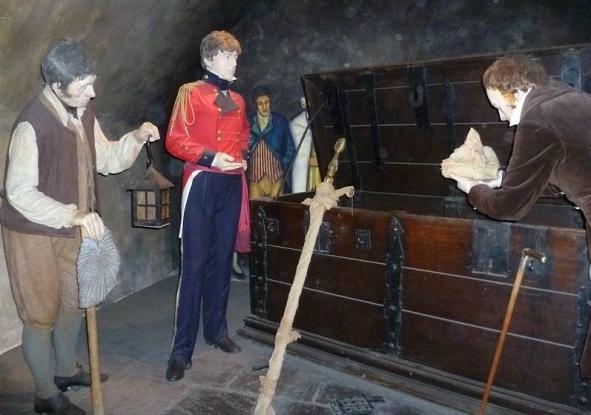 Edinburgh Castle tableau of Scott rediscovering the Honours