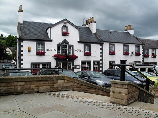 Try out topnotch pub dining at Burt's Hotel